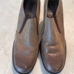 Born brown shoes size 9